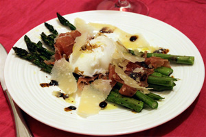 Elegant asparagus salad with prosciutto and poached egg