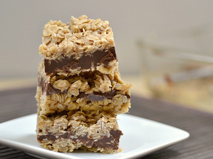 No bake peanut butter & chocolate oat bars