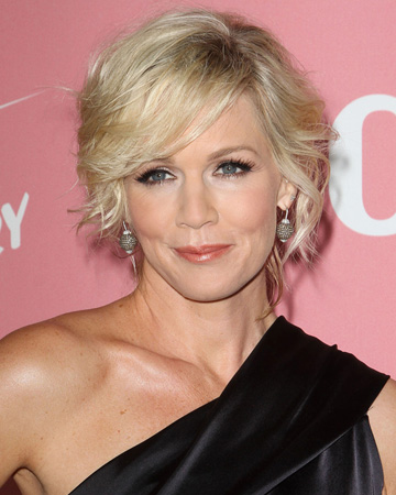 Jennie Garth's makeup