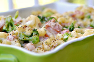 Ham and broccoli macaroni bake
