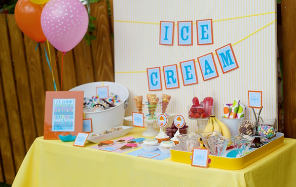Impress your guests with an ice cream buffet