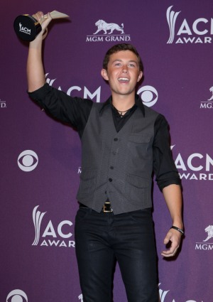 Brooke Dutridge wants a Scotty McCreery date