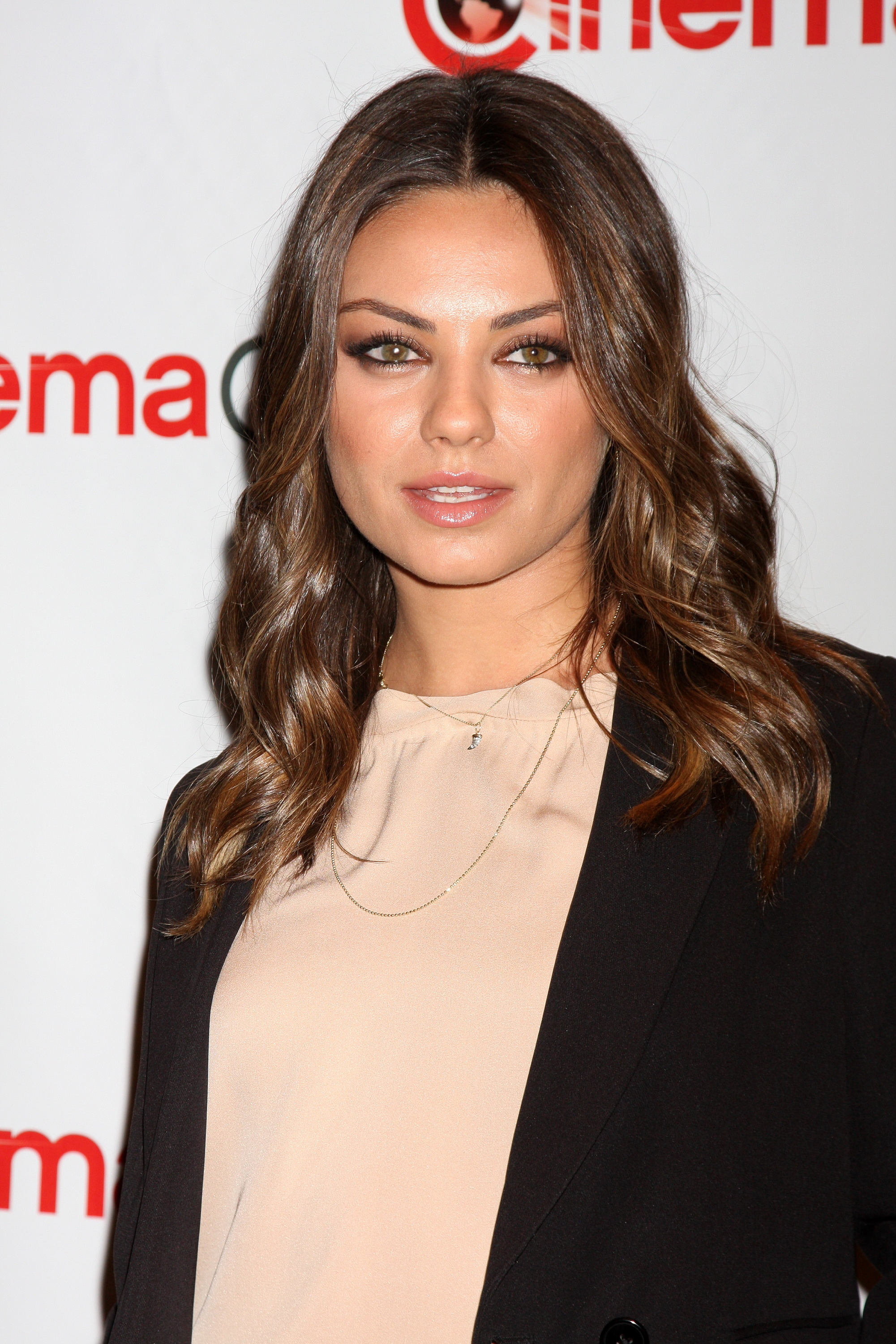 milas kunis dating Mila kunis and justin timberlake on dating and relationships and friends with benefits.