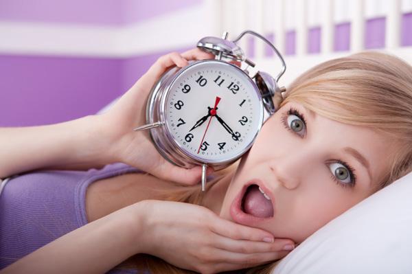 Panicked woman - Waking up late
