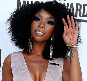 Brandy at Billboard music awards