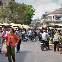 Singing Phnom Penh's praises