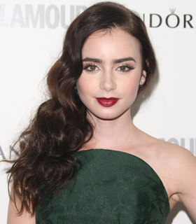 Lily Collins' hairstyle