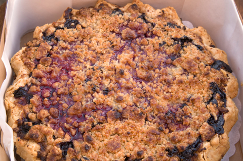 Blueberry raspberry crumble