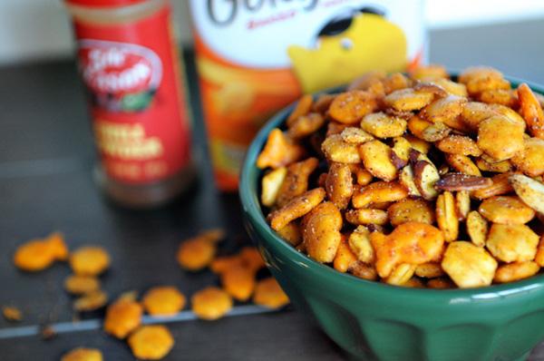 cheesy fajita spiced snack mix