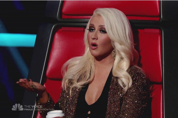 Christina Aguilera feuds with Adam Levine