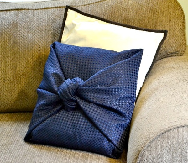 Make Easy Decorative Pillow Cover : All Fun Stuff: Easy DIY throw pillow