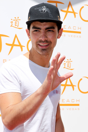 Joe Jonas and others to look for love on The Choice