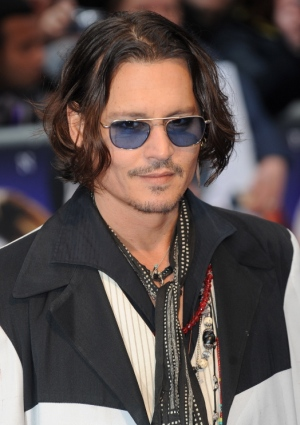 "Depp signs enemy in ""My Valentine"" video"