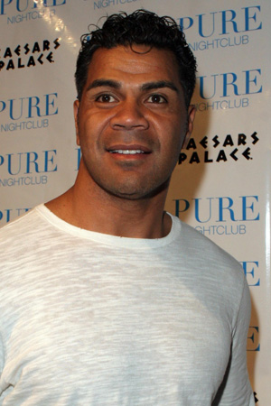 Junior Seau commits suicide