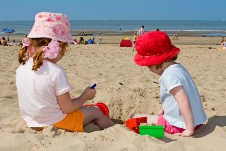 Kids on the beach horiz