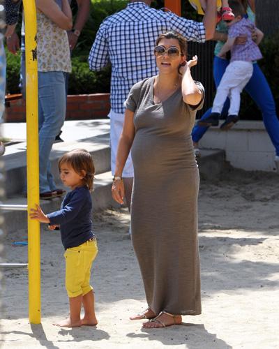 Pregnant Kourtney Kardashian