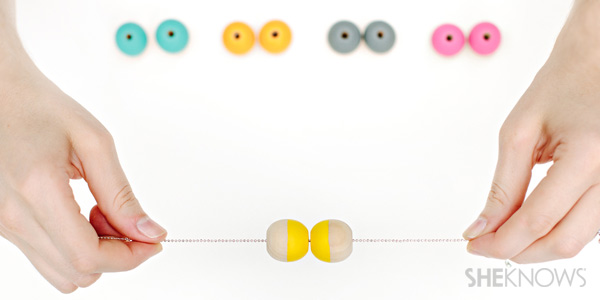 DIY necklace tutorial: painted bead side to painted bead side
