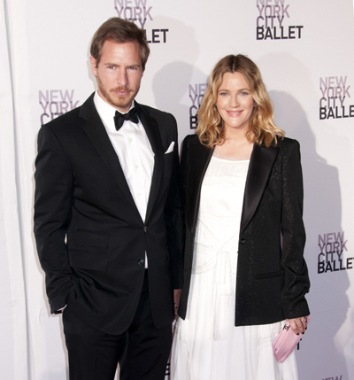 Pregnant Drew Barrymore