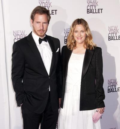 Pregnant Drew Barrymore