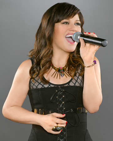 Get Kelly Clarkson's hair from Duets