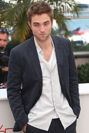 Robert Pattinson won't show us his balls