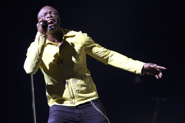 Seal speaking about singing and his split