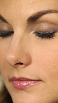 Elle Macpherson's Fashion Star makeup tutorial