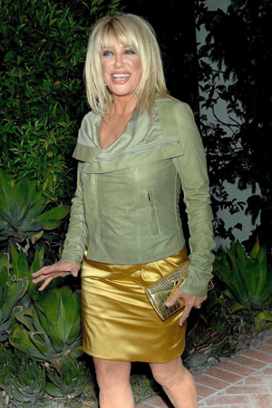 Suzanne Somers talks about breast surgery