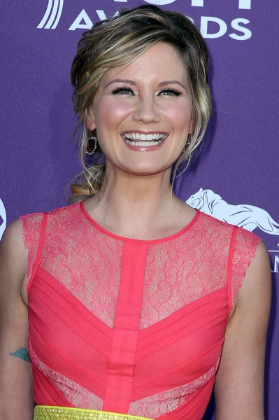 Jennifer Nettles at the 2012 ACM Awards