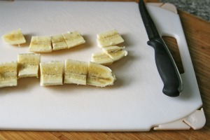 sliced bananas