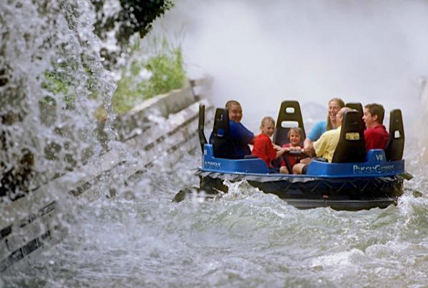 Theme park fun in Virginia