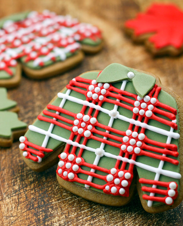 Plaid sweater cookies for Father's Day