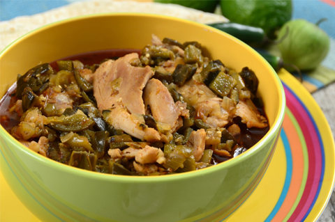 Slow-cooking chile verde