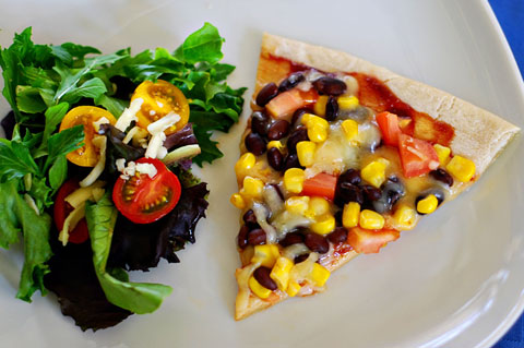 Grilled corn and black bean pizza