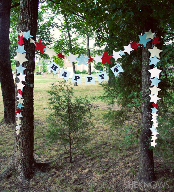 Happy 4th banner with star bunting