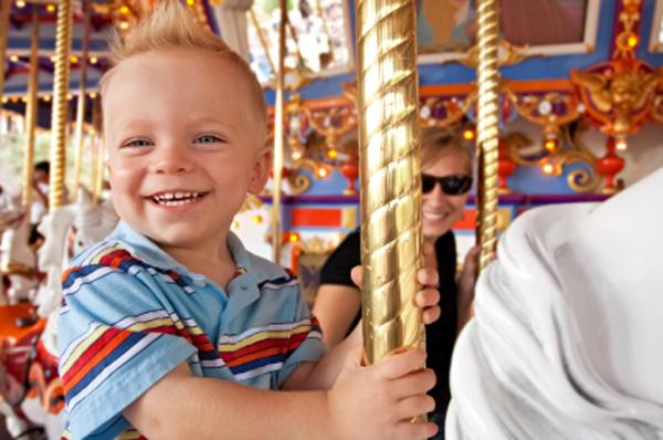 10 amusement park must-haves