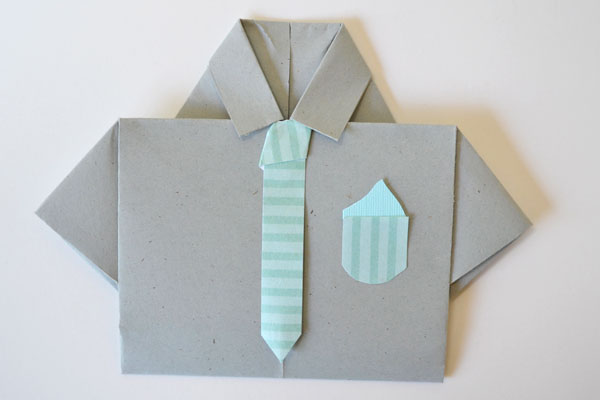 Dia dos Pais cartão shirt: gravata listrada e lenço de bolso
