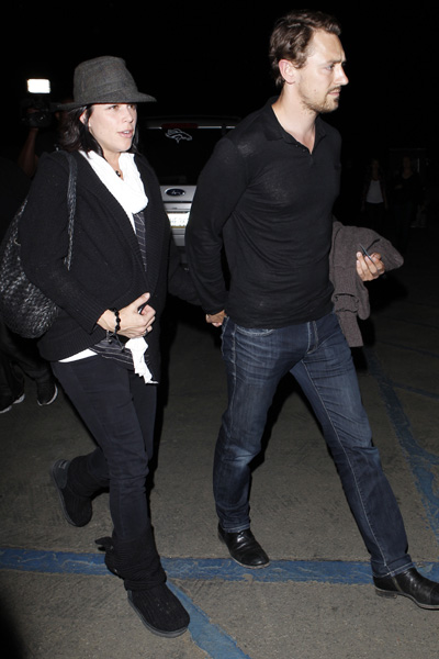 Pregnant Neve Campbell