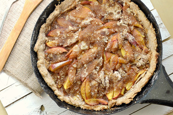 One skillet peach cobbler