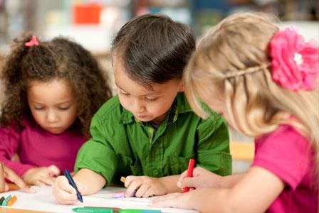 Bilingual kids may have an edge