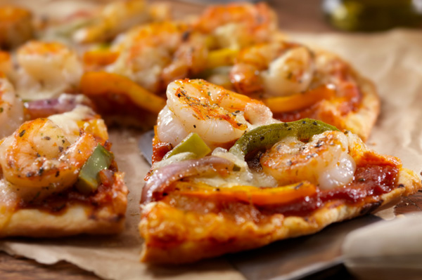 Grilled chipotle shrimp and roasted pepper pizza