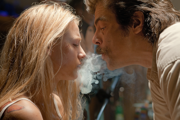 Savages Blake Lively and Benicio Del Toro