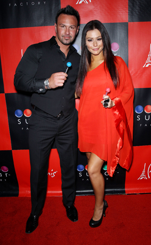 Jwoww wants a big engagement ring from Roger Mathews