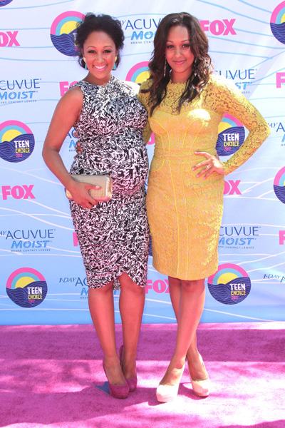 Pregnant Tamera Mowry and Tia Mowry