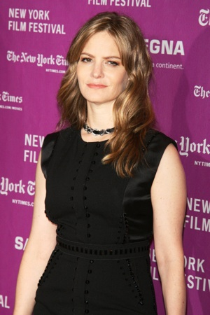 Welcome, Jennifer Jason Leigh
