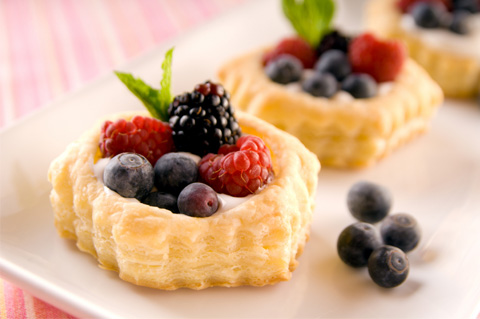 Simple fruit tarts the kids can make
