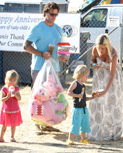 Tori Spelling with husband and kids
