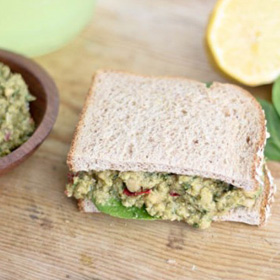 Smashed chickpeas and pesto sandwich