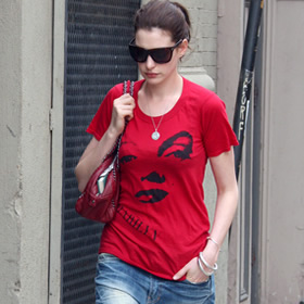 Anne Hathaway and in Marilyn Monroe shirt