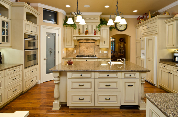 Country Antique White Kitchen Cabinets